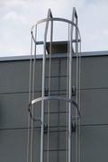 安全ガード付梯子タラップ
