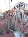 MAZDA zoom-zoom スタジアム広島 メッキ階段手摺