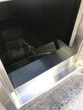 永代供養墓の換気孔付片開きステンレス扉